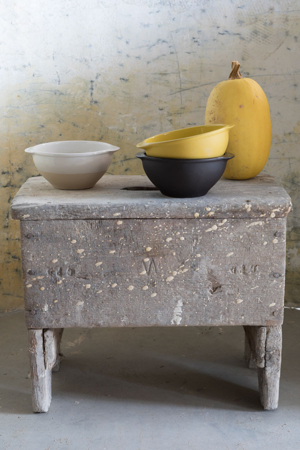 Bowl with (flat) handles, Manufacture Digoin